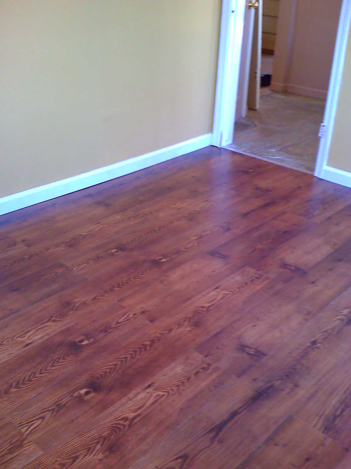 Laminate bedroom dark wood